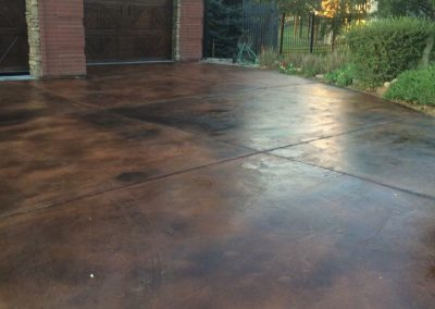 outdoor drive way acid stained concrete
