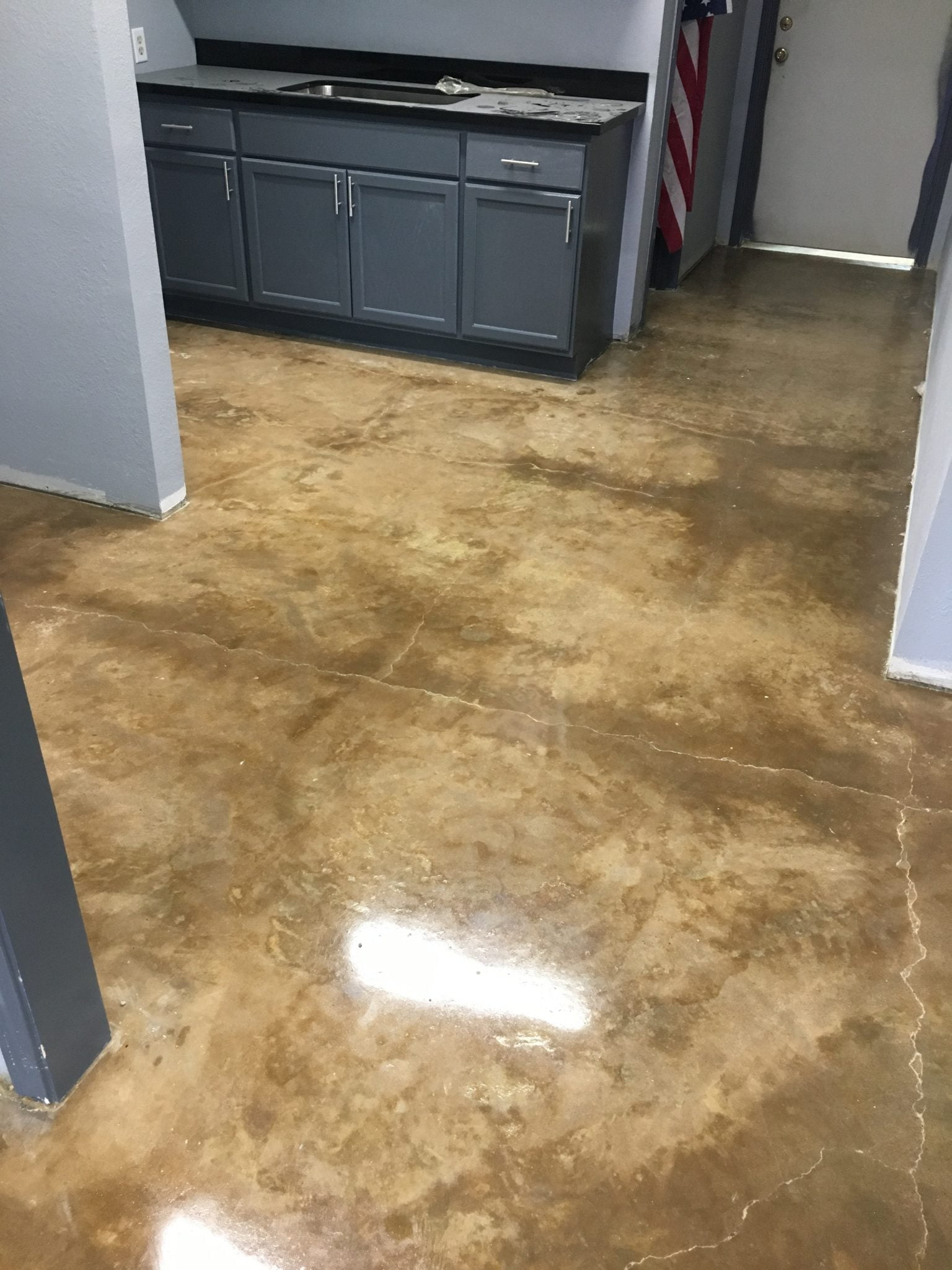 natural clear epoxy floor covering
